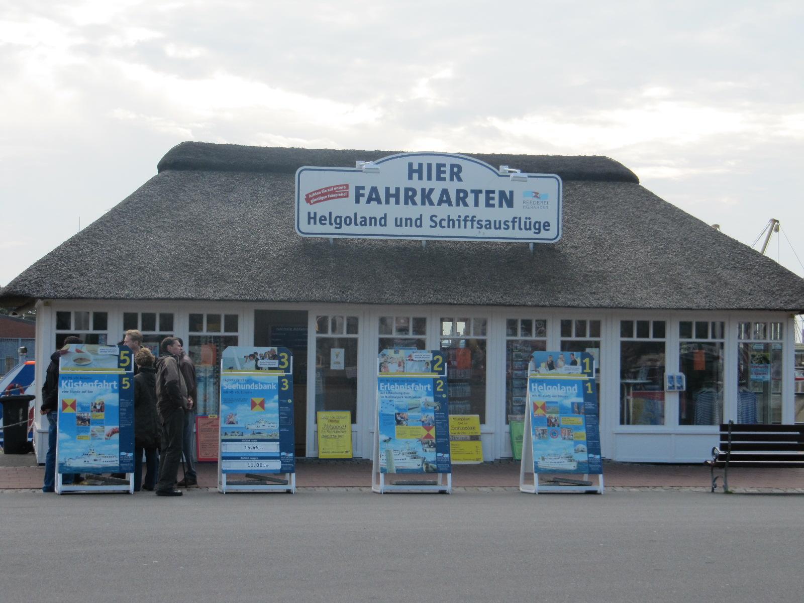 Reederei Rahder am Hafen in Büsum